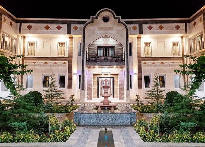 ساختمان هتل ارگ محتشم قمصر