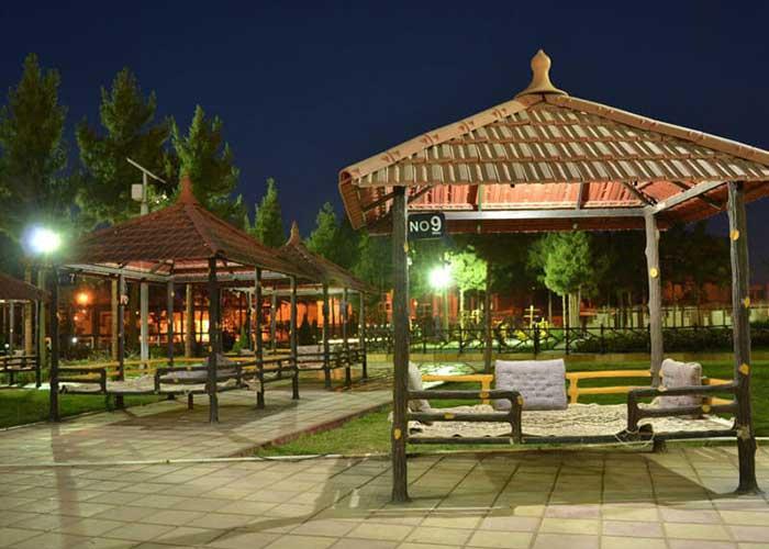 کافی شاپ هتل زنبق یزد
