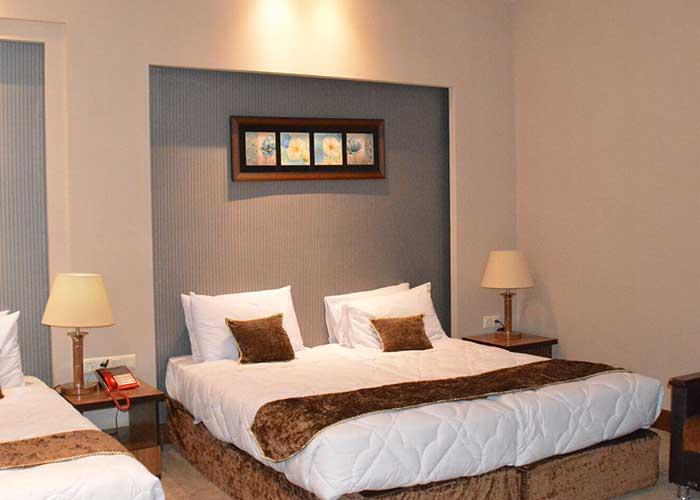 عکس سه تخته هتل زنبق یزد