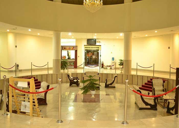 عکس لابی هتل زنبق یزد