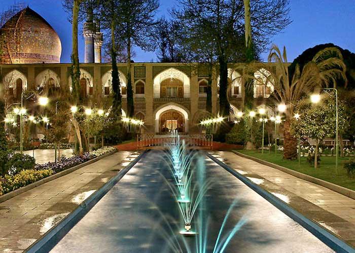 هتل عباسی اصفهان باغ