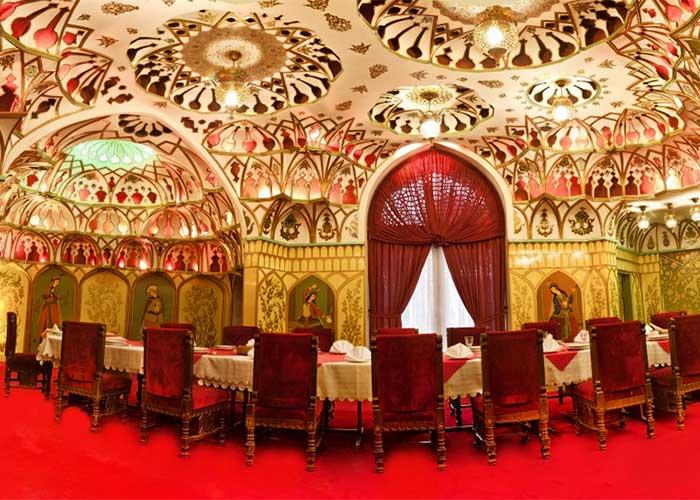 تالار عالی قاپو هتل عباسی اصفهان