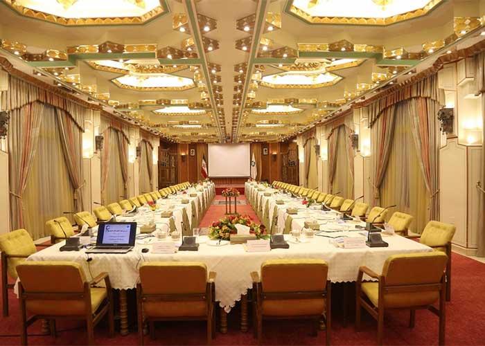 تالار آینه هتل عباسی اصفهان