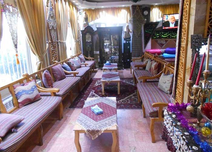 سفره خانه سنتی هتل ابیانه