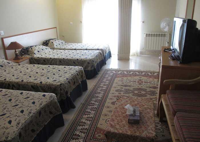 اتاق چهار تخته هتل ابیانه