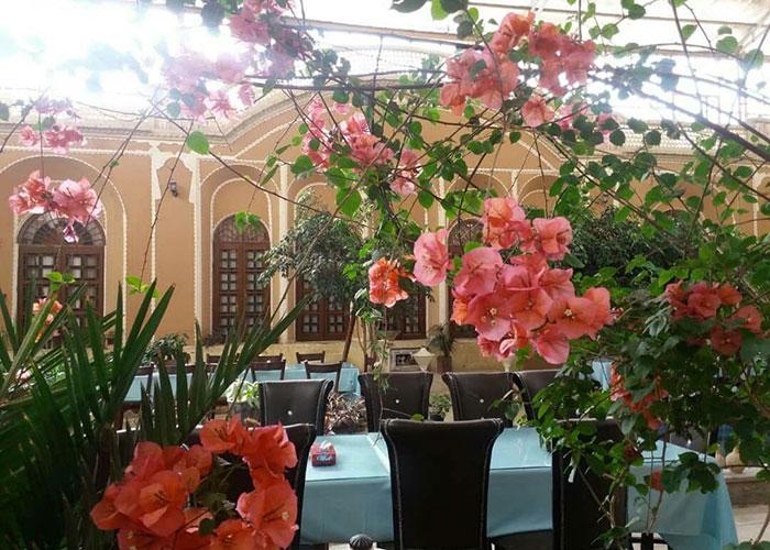 رستوران هتل ادیب الممالک یزد
