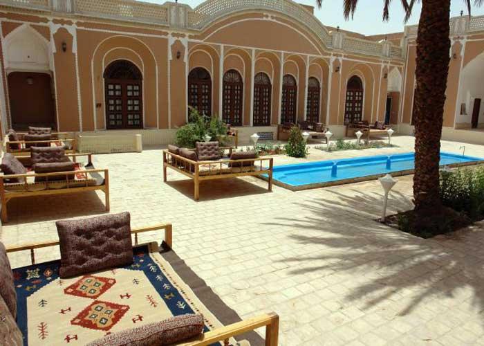 تصاویر هتل ادیب الممالک یزد