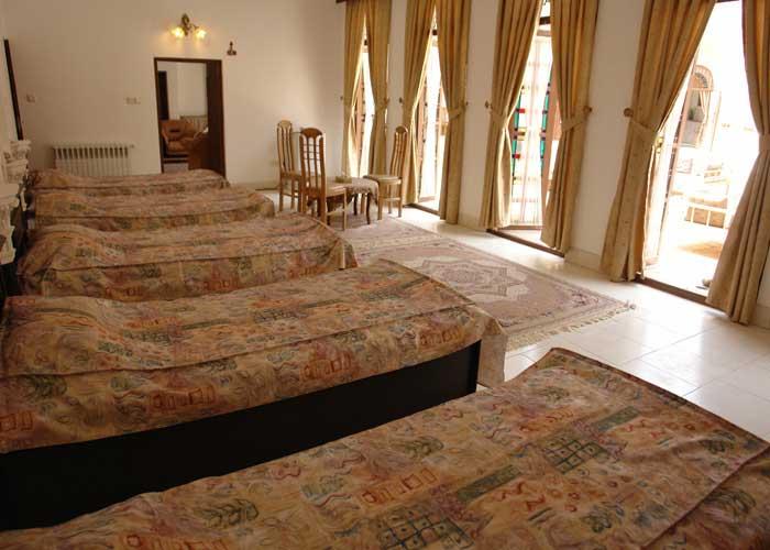 پنج تخته هتل ادیب الممالک یزد