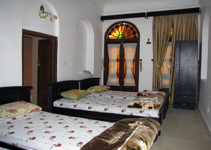 عکس سه تخته هتل ادیب الممالک یزد