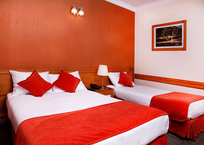 اتاق سه تخته هتل البرز تهران