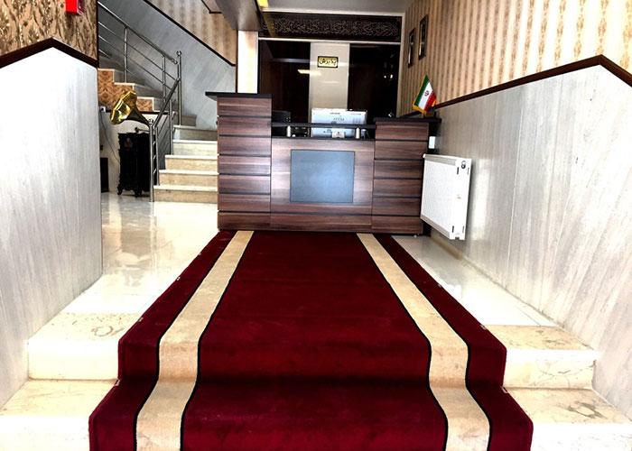 ورودی هتل الزهرا یزد