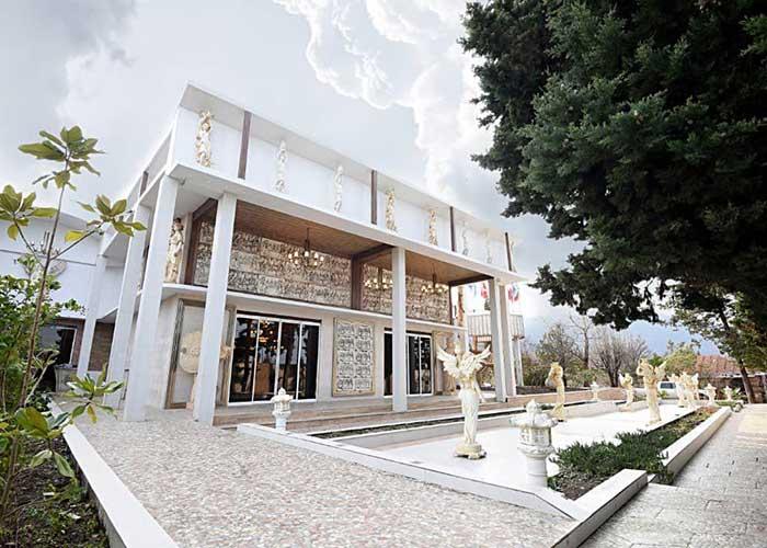 ساختمان هتل کاخ امیران چالوس