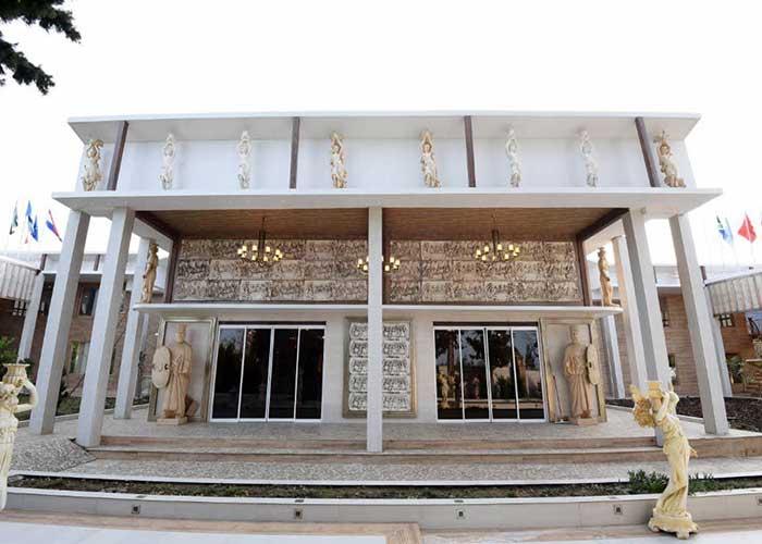 ورودی هتل کاخ امیران چالوس