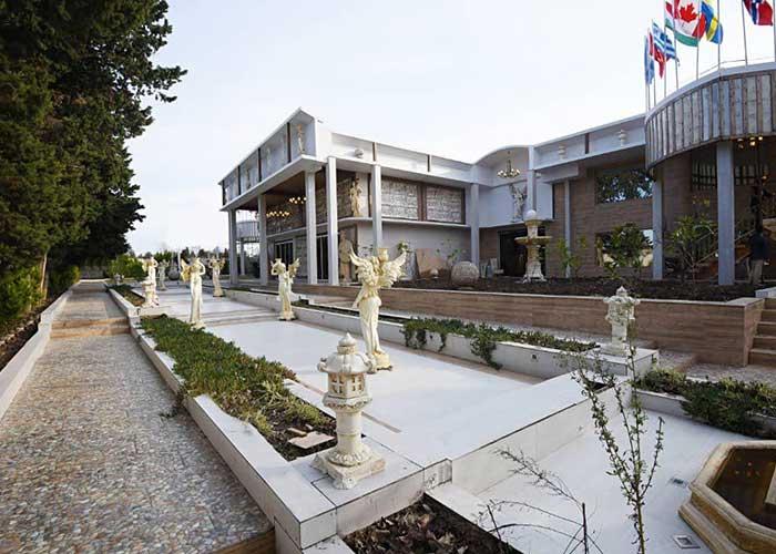 محوطه هتل کاخ امیران چالوس
