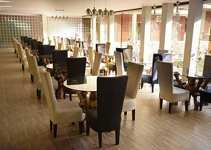 رستوران هتل کاخ امیران چالوس
