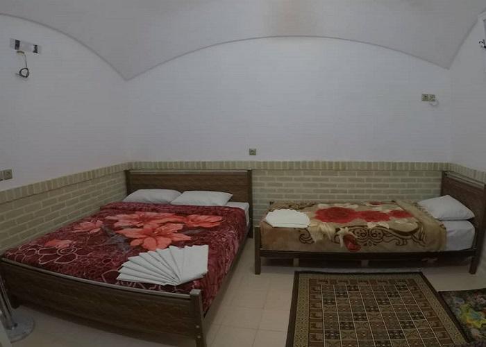 عکس اتاق سه خته اقامتگاه آمیرزا