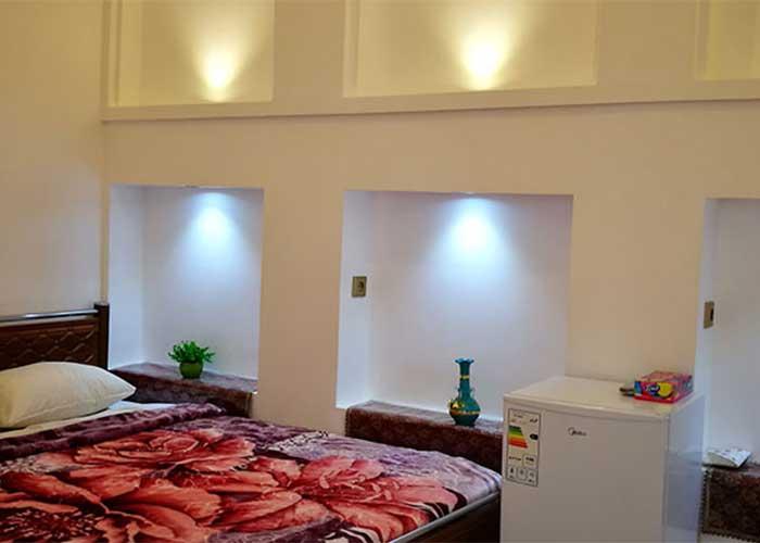اتاق دو تخته اقامتگاه سنتی آمیرزا کاشان