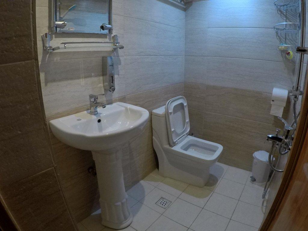 سرویس بهداشتی اقامتگاه سنتی آمیرزا کاشان