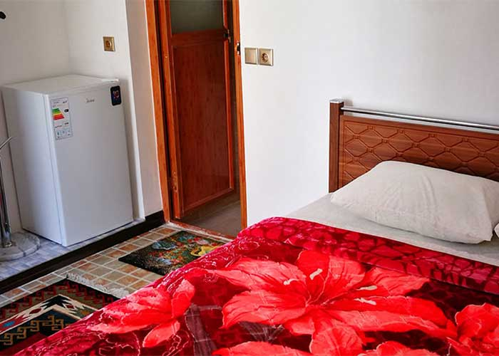 اتاق دو تخته اقامتگاه سنتی آمیرزا