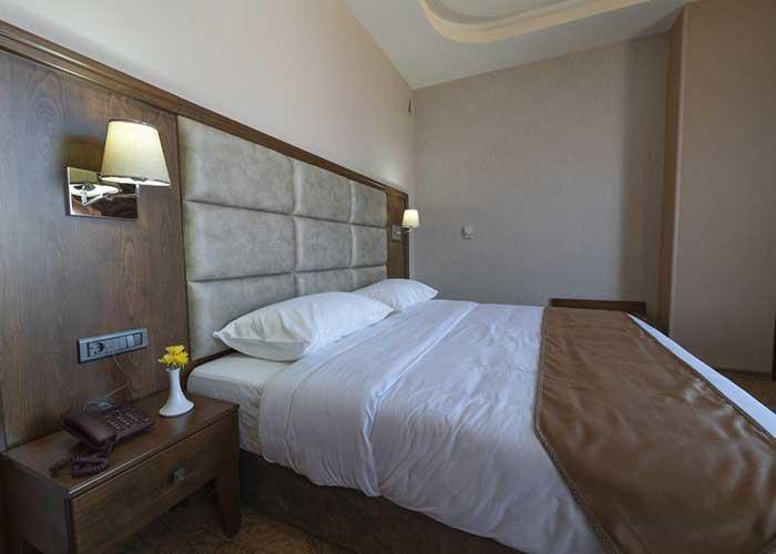 تخت هتل امپریال ارس