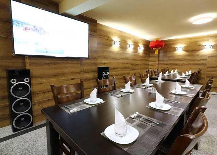 رستوران مهمانسرای آنامیس تهران