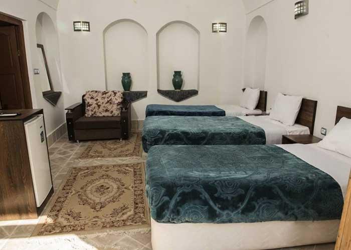 تصاویر اتاق سه تخته اقامتگاه سنتی آرا یزد