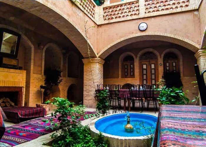 چایخانه اقامتگاه سنتی آرا یزد
