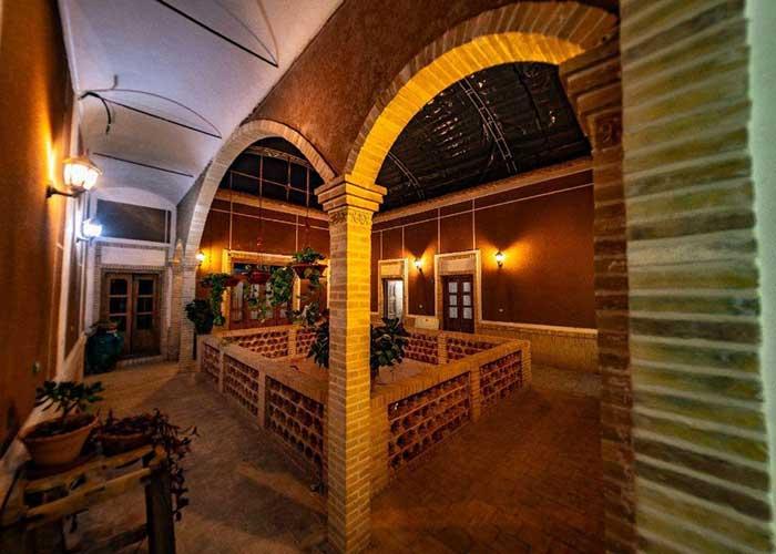 عکس اقامتگاه سنتی آرا یزد