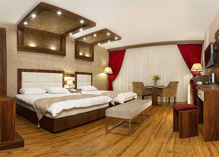 فضای داخل اتاق هتل آرامیس تهران