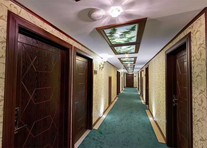 روهرو طبقات هتل آرامیس تهران