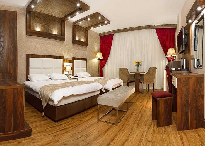 فضای داخل اتاق های هتل آرامیس تهران