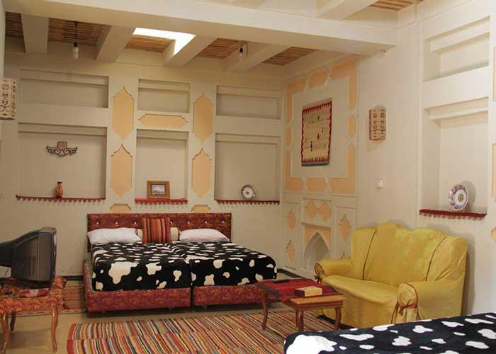 اتاق سه تخته هتل ارگ گوگد گلپایگان