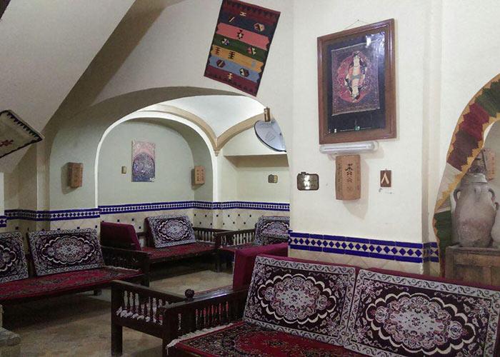 سفره خانه سنتی هتل ارگ گوگد گلپایگان