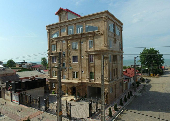 ساختمان هتل آرکا بندر انزلی
