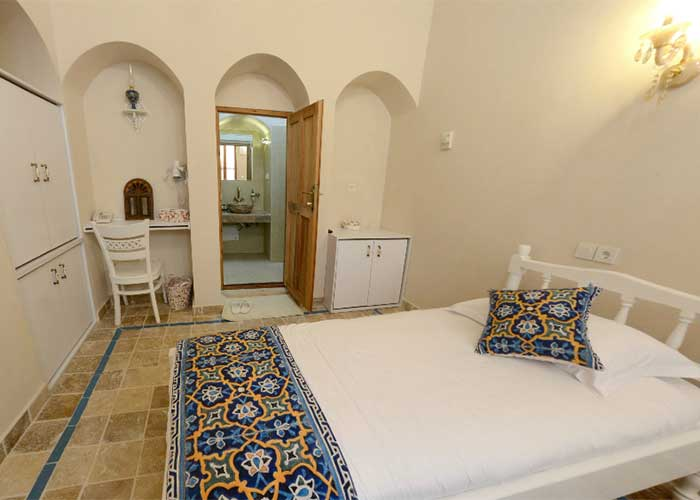 اتاق دو تخته اقامتگاه آریانا
