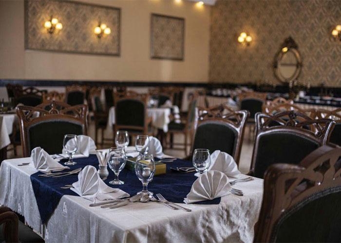 تصاویر رستوران هتل آریوبرزن شیراز