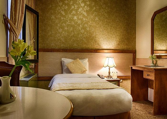 اتاق یک تخته هتل آریوبرزن شیراز