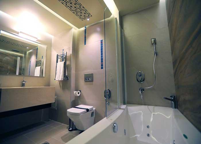 سرویس حمام اتاق هتل آتانا تهران