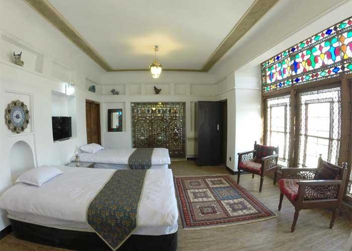 اتاق چهار تخته هتل عتیق اصفهان