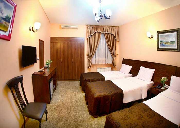 عکس اتاق سه تخته هتل اطلس