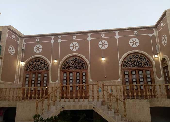 ساختمان اقامتگاه سنتی آواسا یزد