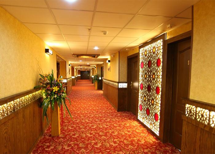 راهرو های هتل آوین اصفهان