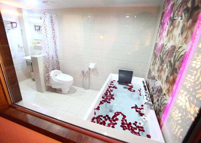 سرویس بهداشتی اتاق رویال هتل آوین