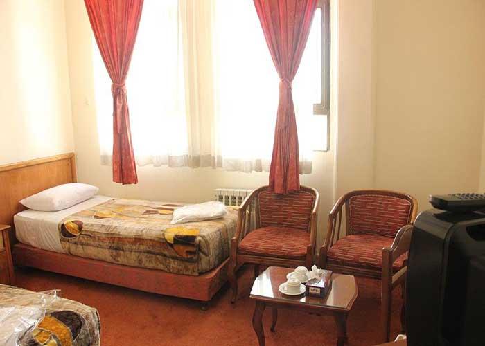 میز و صندلی اتاق هتل اورین تهران