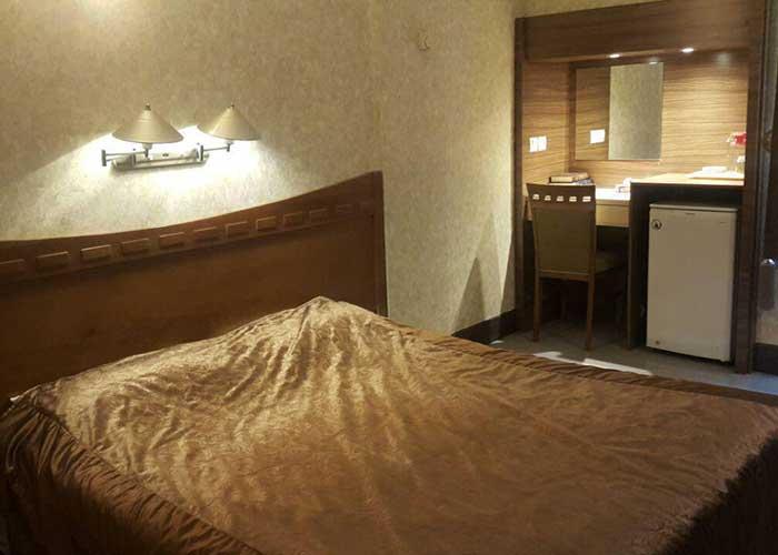 عکس اتاق دو تخته هتل آزادی