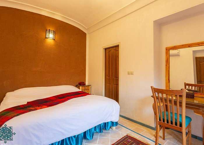 اتاق دو تخته اقامتگاه سنتی بابا افضل  کاشان