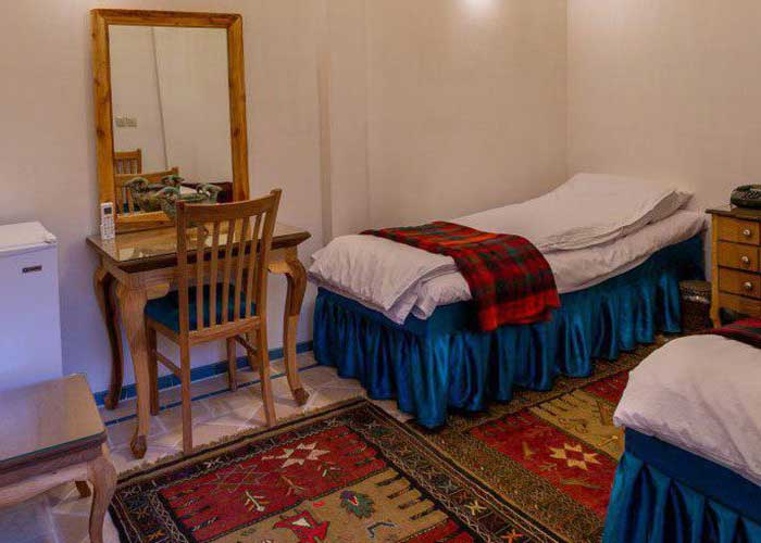 تصاویر اتاق دو تخته اقامتگاه سنتی بابا افضل