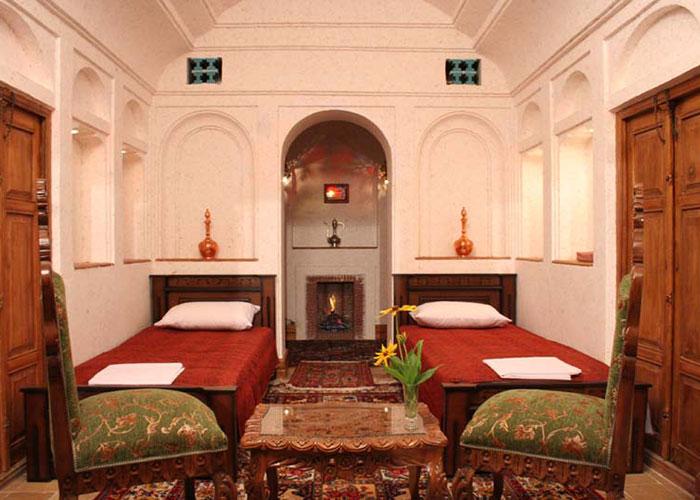 عکس اتاق هتل سنتی باغ مرشد یزد