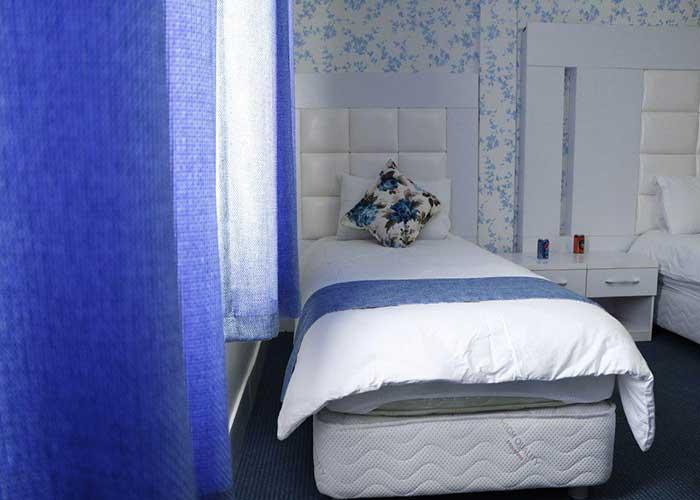 تخت یک نفره هتل بلوط تهران