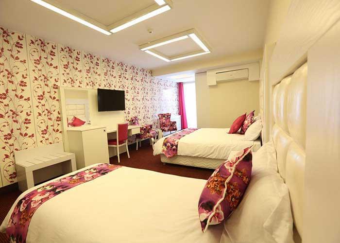 اتاق سه تخته هتل بلوط تهران